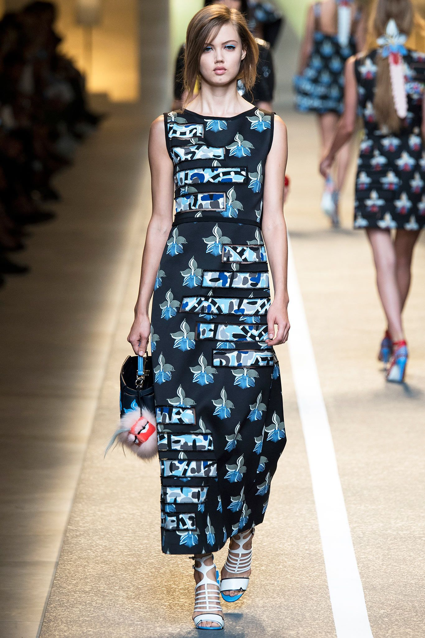 f8f14c239b6 Fendi Spring 2015 Ready-to-Wear - Collection - Gallery - Style.com ...
