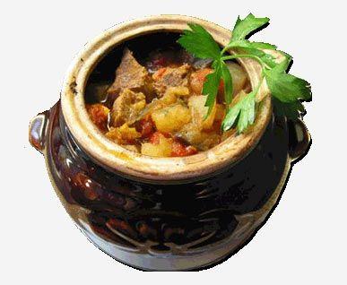 Мясное рагу в горшочке с зеленой фасолью и сметаной | Yemek