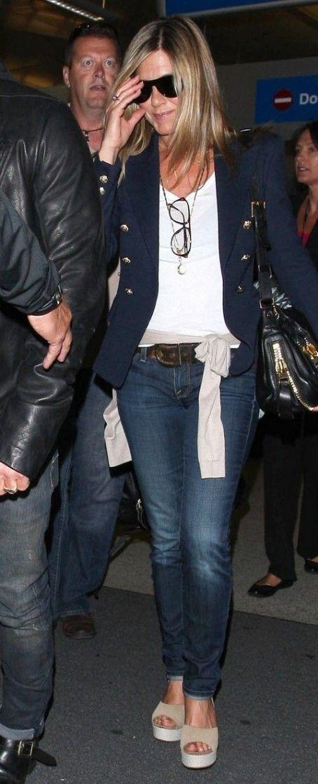 Jennifer Aniston Fashion and Style - Jennifer Aniston ...