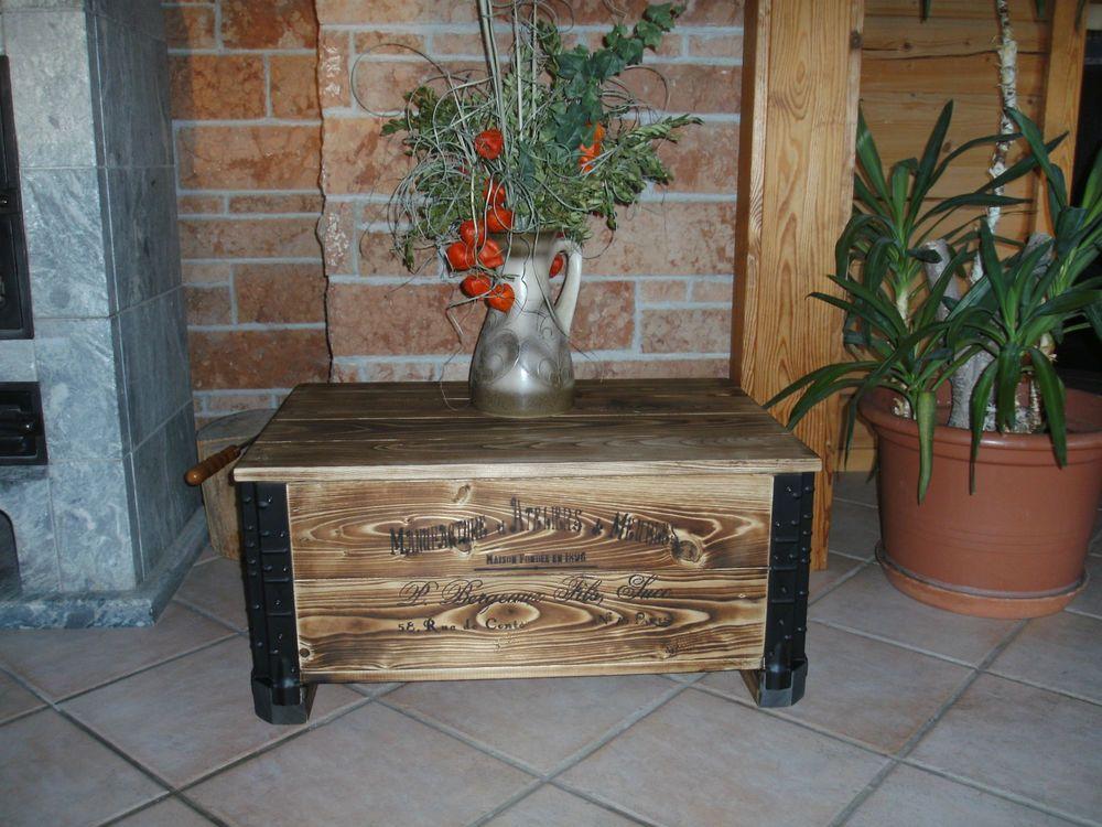 alte frachtkiste couchtisch vintage holztruhe m bel tisch shabby whisky landhaus truhe. Black Bedroom Furniture Sets. Home Design Ideas