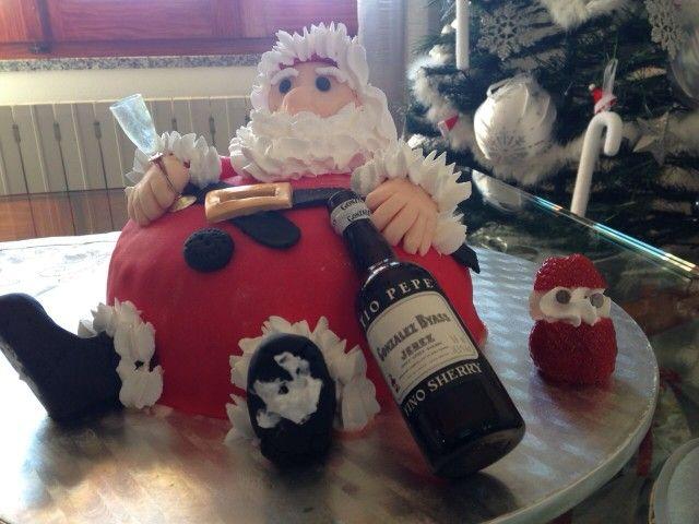 Babbo Natale in pan di spagna e pasta di zucchero