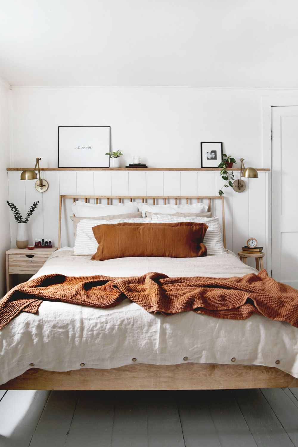 Mix and match earthy linen bedding to achieve this bedroom look styled by The Merrythought (IG: @themerrythought). Featuring linen shee