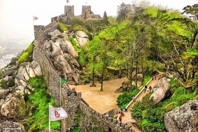 Castelo dos Mouros - Quantos castelos existem em Portugal? 400-500