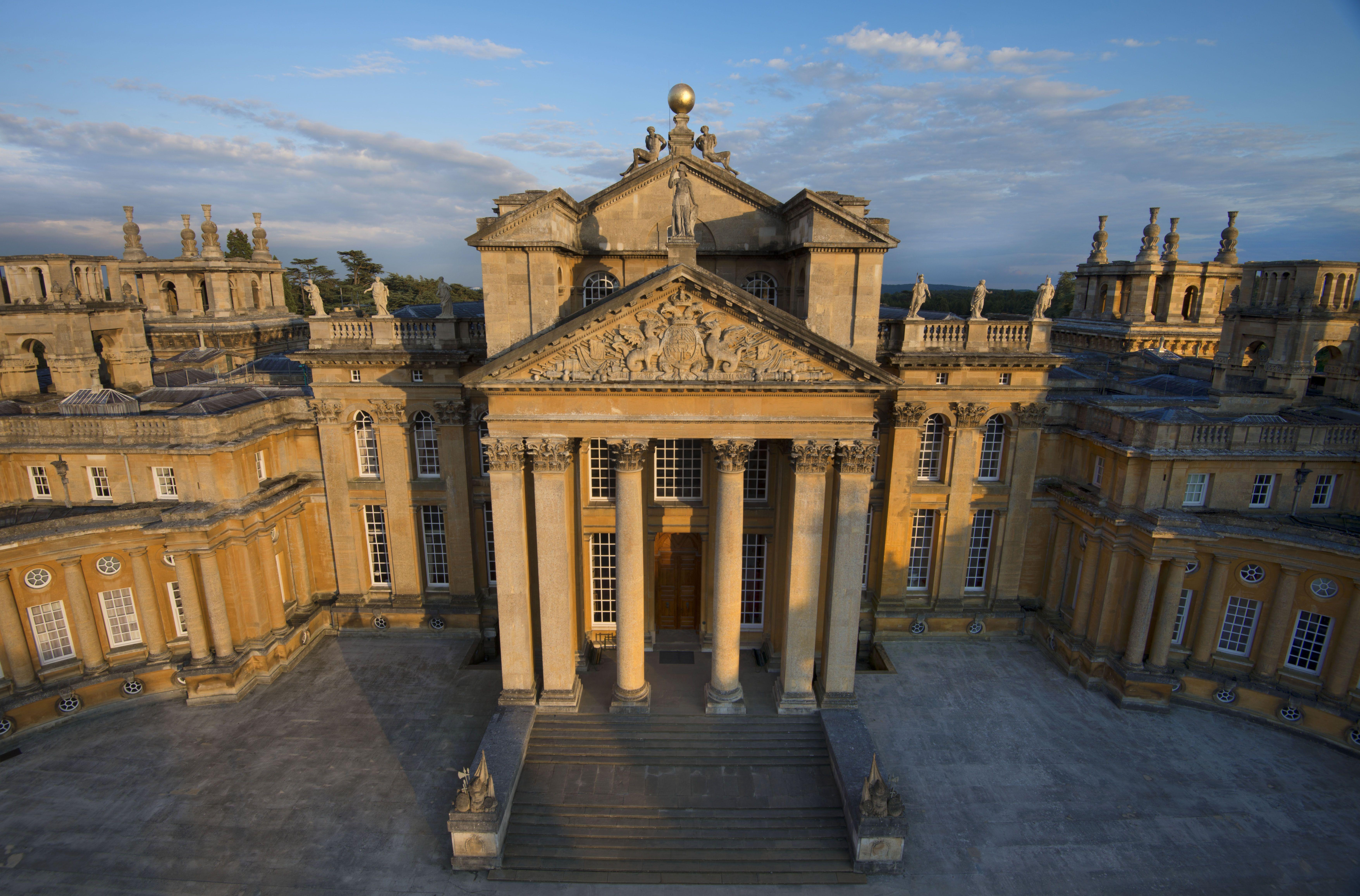 Blenheim Palace. Fachada principal. | PALACIOS, CASTILLOS Y ...