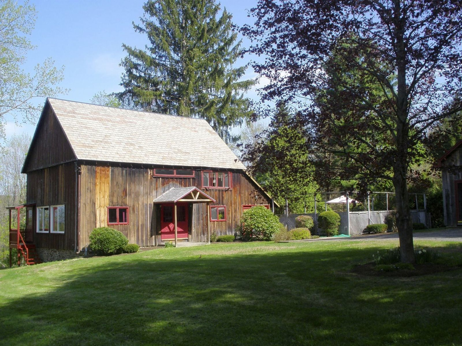 6 Converted Barn Homes For Sale Across America Barns Old And