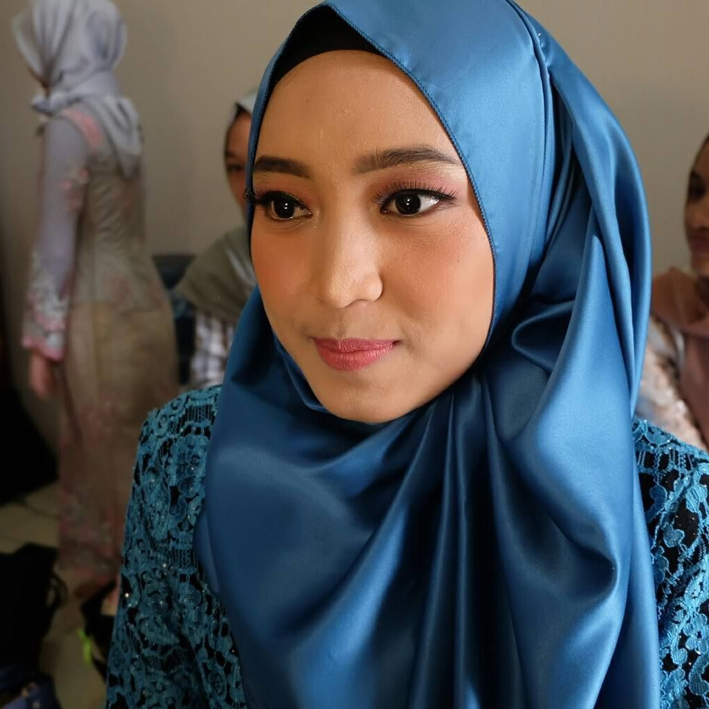 Make Up Wisuda Wajah Bulat Depok, Make Up Wajah Wisuda