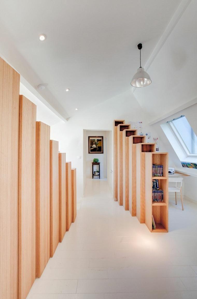 Möbel, um Platz in einem Haus in Paris zu sparen   Haus