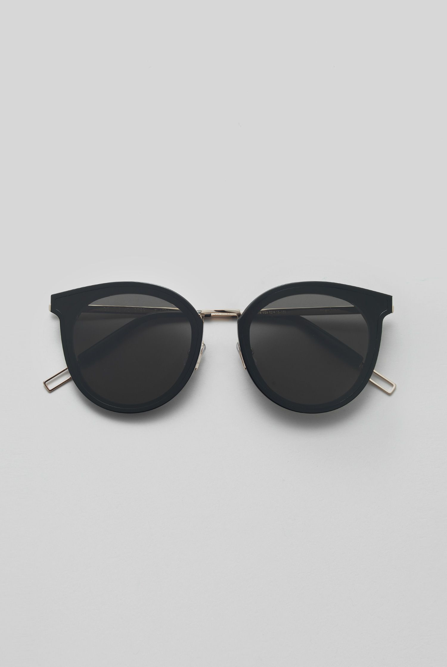 f474825f501eb GENTLE MONSTER 2018 Sunglasses MERLYNN 01 FLATBA