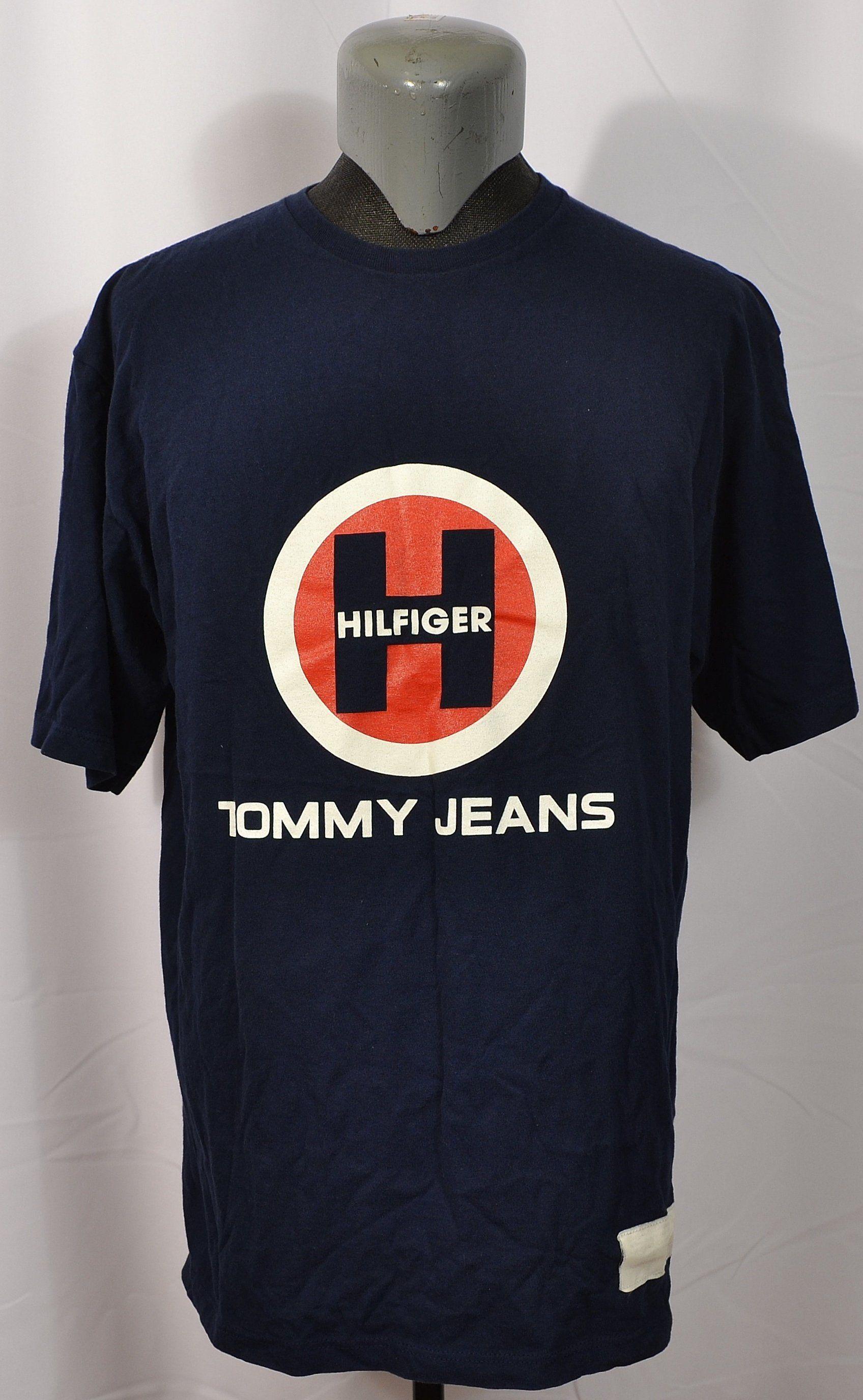 Vintage Tommy Hilfiger SpellOut Big Logo T-shirt