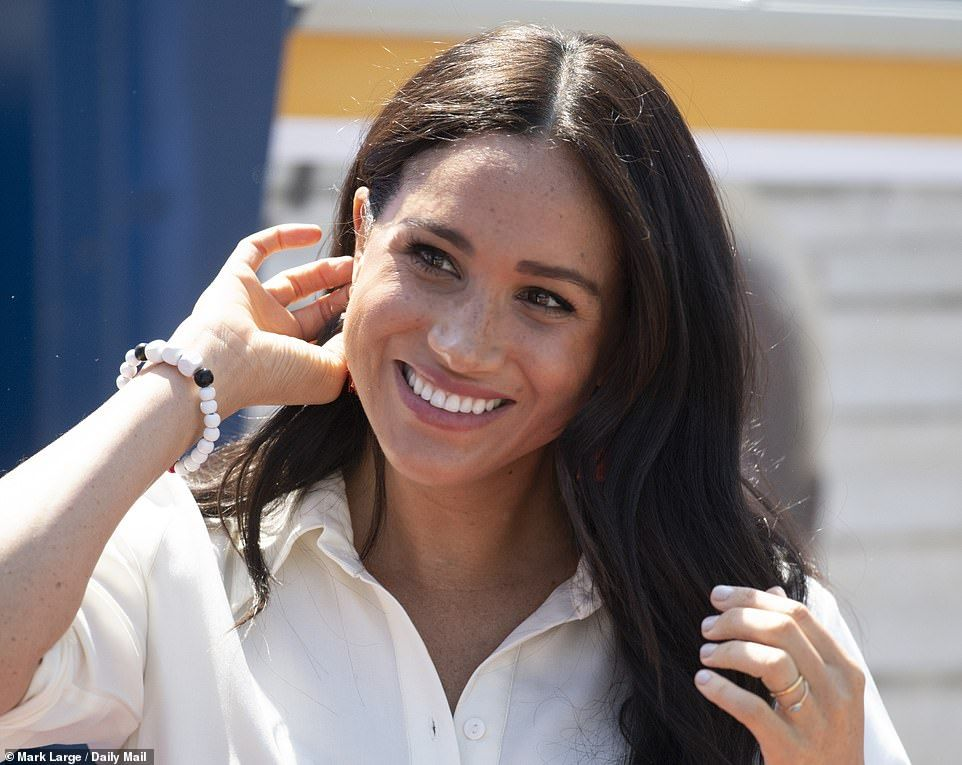 Harry and meghan visit johannesburg to learn about youth