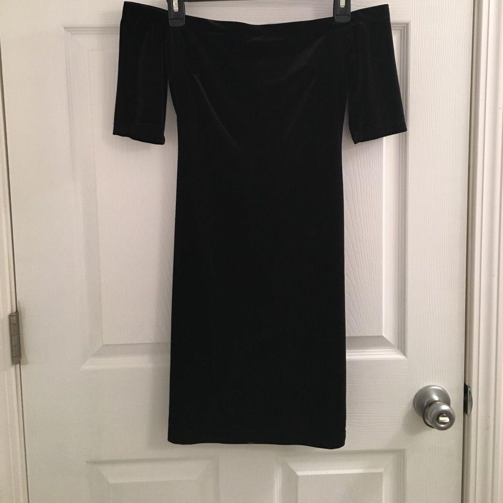 Off the shoulder black velvet dress products
