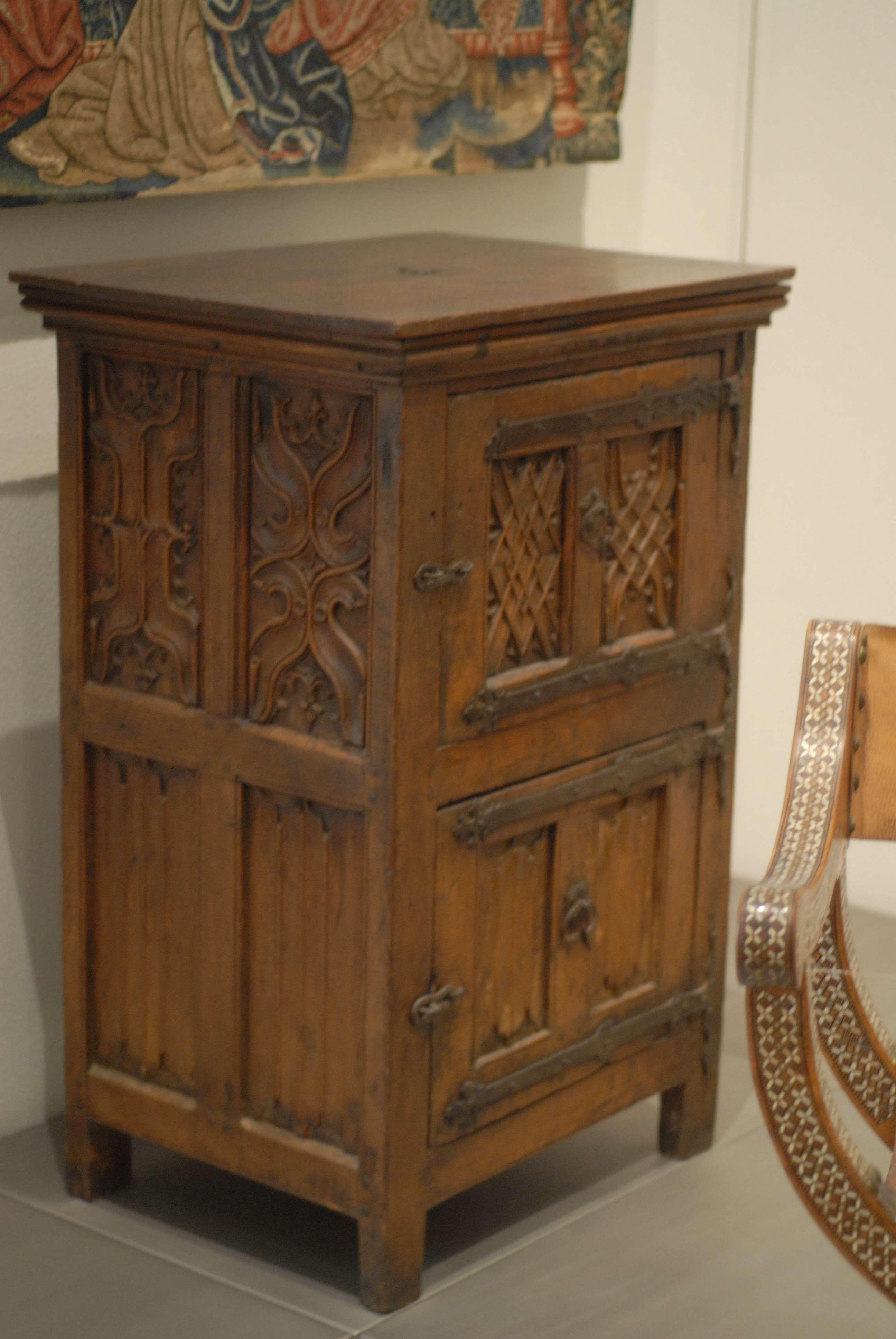 schrank museum f r angewandte kunst k ln m bel. Black Bedroom Furniture Sets. Home Design Ideas