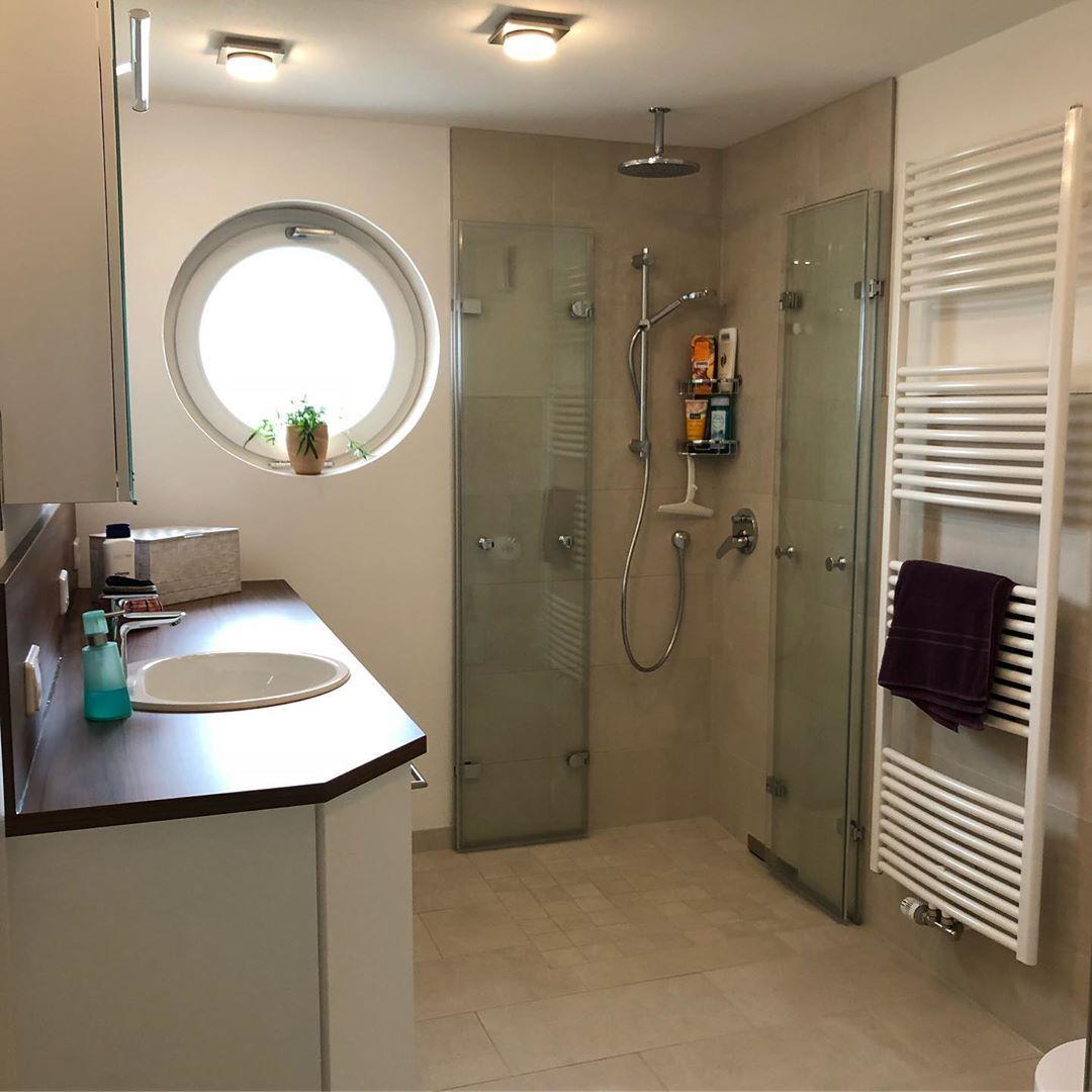 Referenz Badezimmer Bathroom Sanitar Heizung Luftung Fussbodenheizung Duravit Hansgrohe Heimeier Geberit