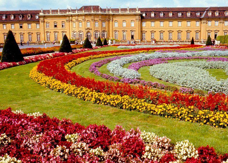 ludwigsburg castle gardens germany travels pinterest castles palace and buckets. Black Bedroom Furniture Sets. Home Design Ideas