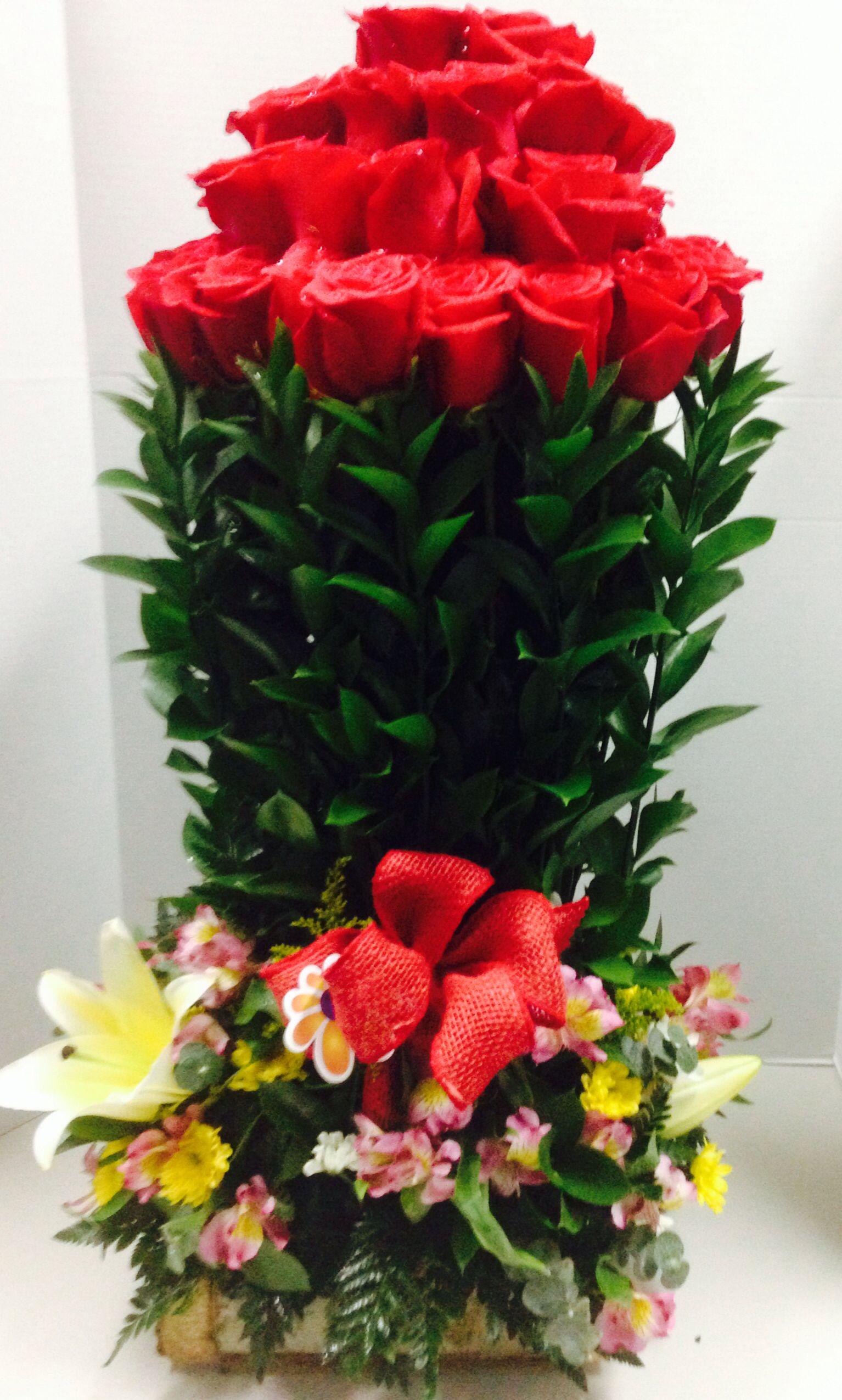 24 Rosas En Maceta De Madera Arreglo Florales Panama