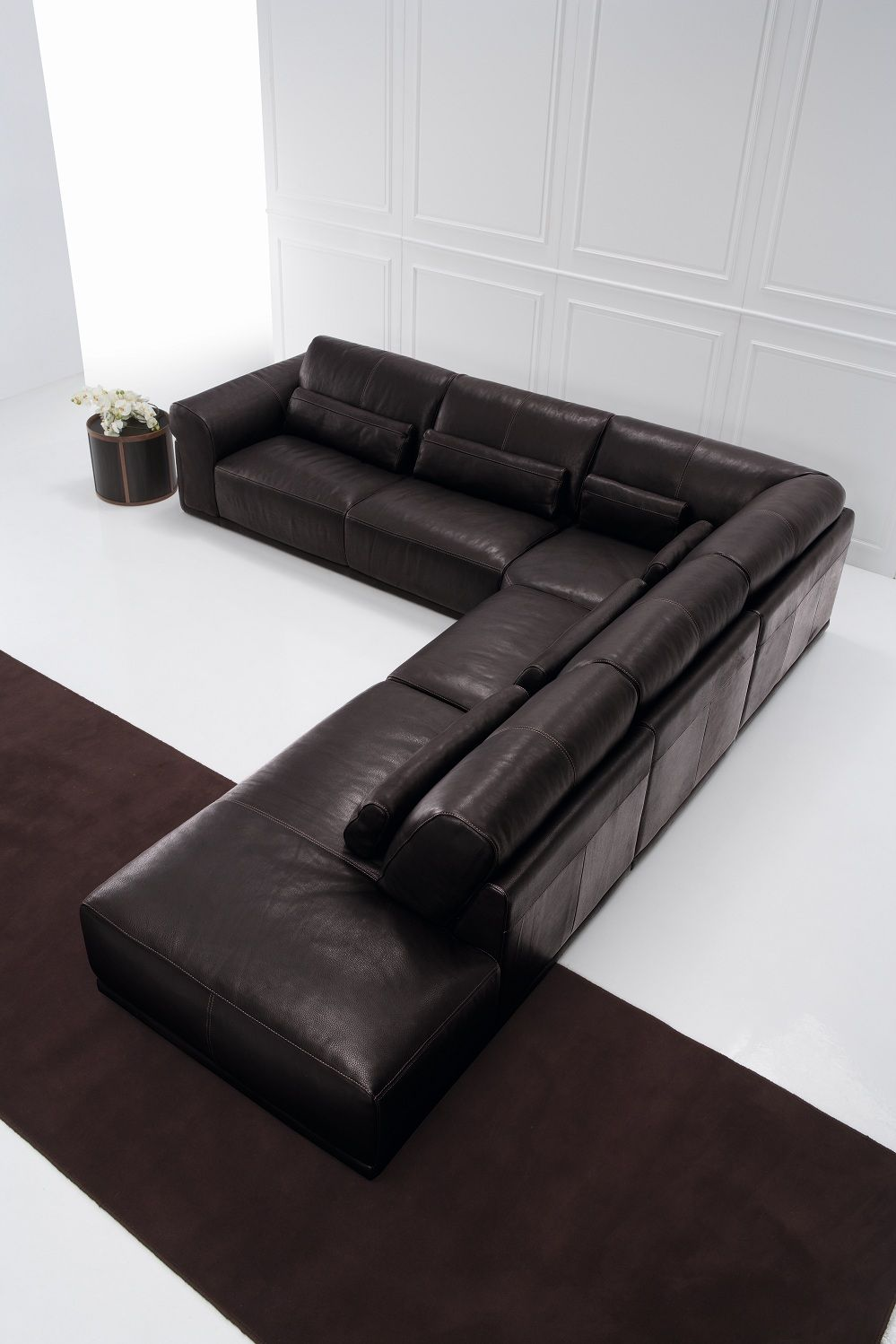 Fabio And Co Is Proud To Offer You 100 Genuine Italian Sofas Over 200 Exclusive Models To Choose From You Won T Fi Italian Sofa Italian Leather Sofa Italian Furniture
