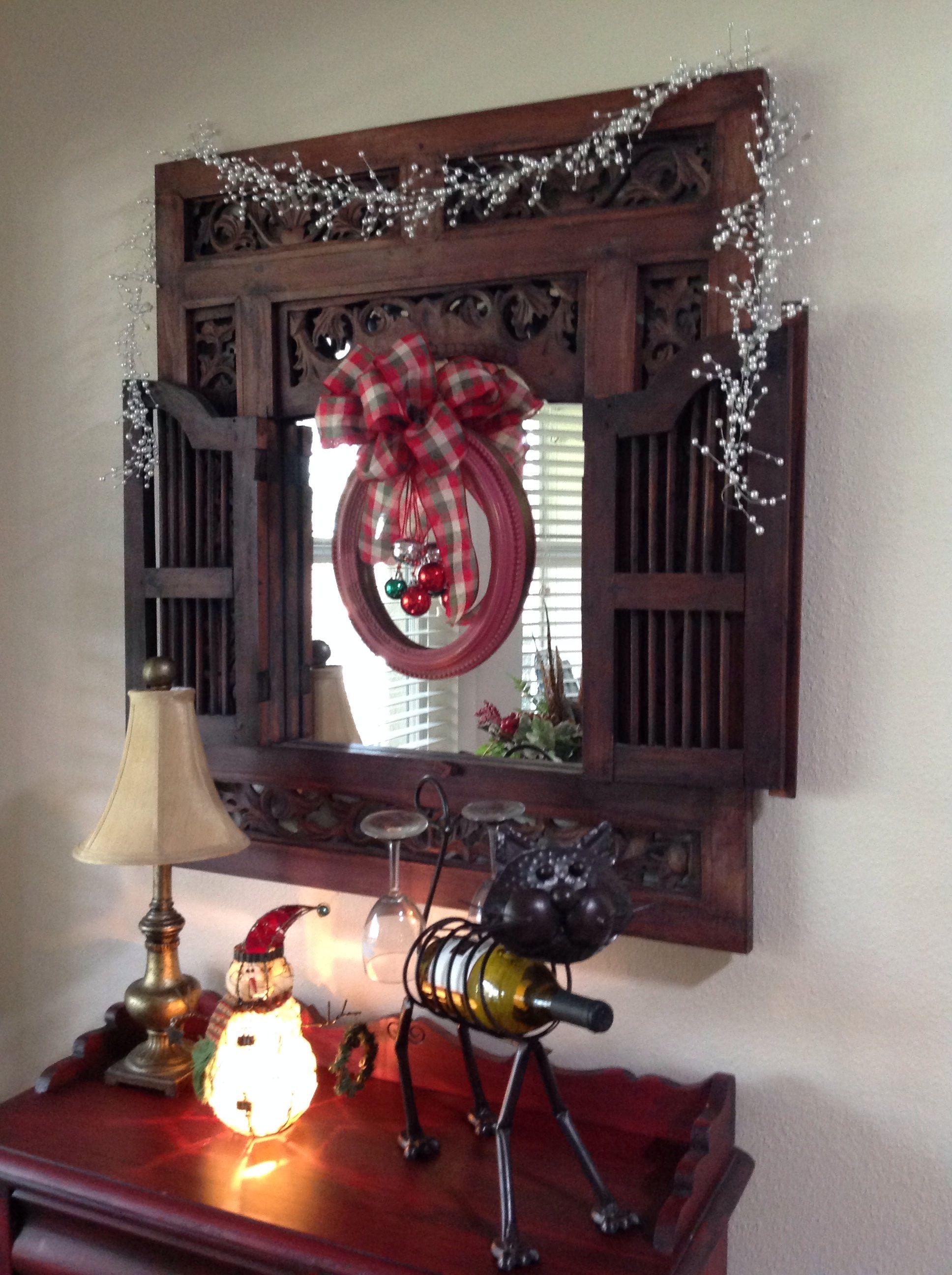 Vintage frame wreath - got the idea from Pinterest.