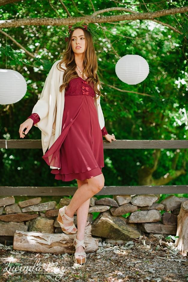 Cream haori teamed with red dress.  Photo courtesy of Lucinda May Photography.  Styled in Japan.