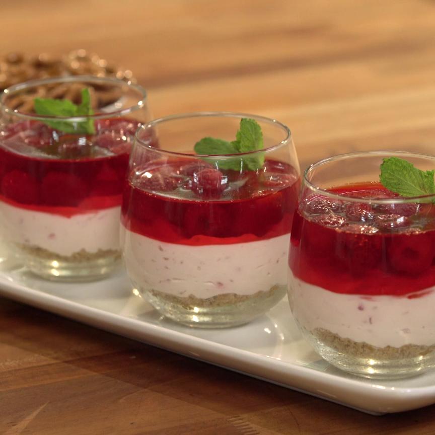 Photo of Raspberry cheesecake dessert parfait