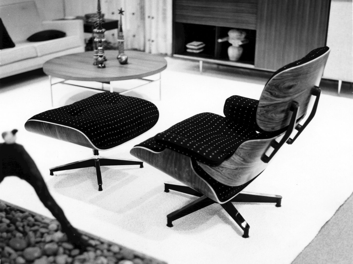 Vitra Eames Lounge Chair Black Eames Lounge Chair And Ottoman In Fabric Vitra Image Eames
