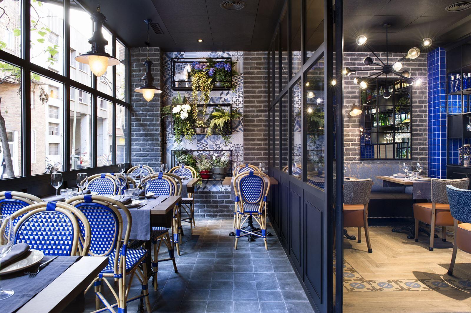 Montes De Galicia - Picture gallery #architecture #interiordesign #restaurant #blue