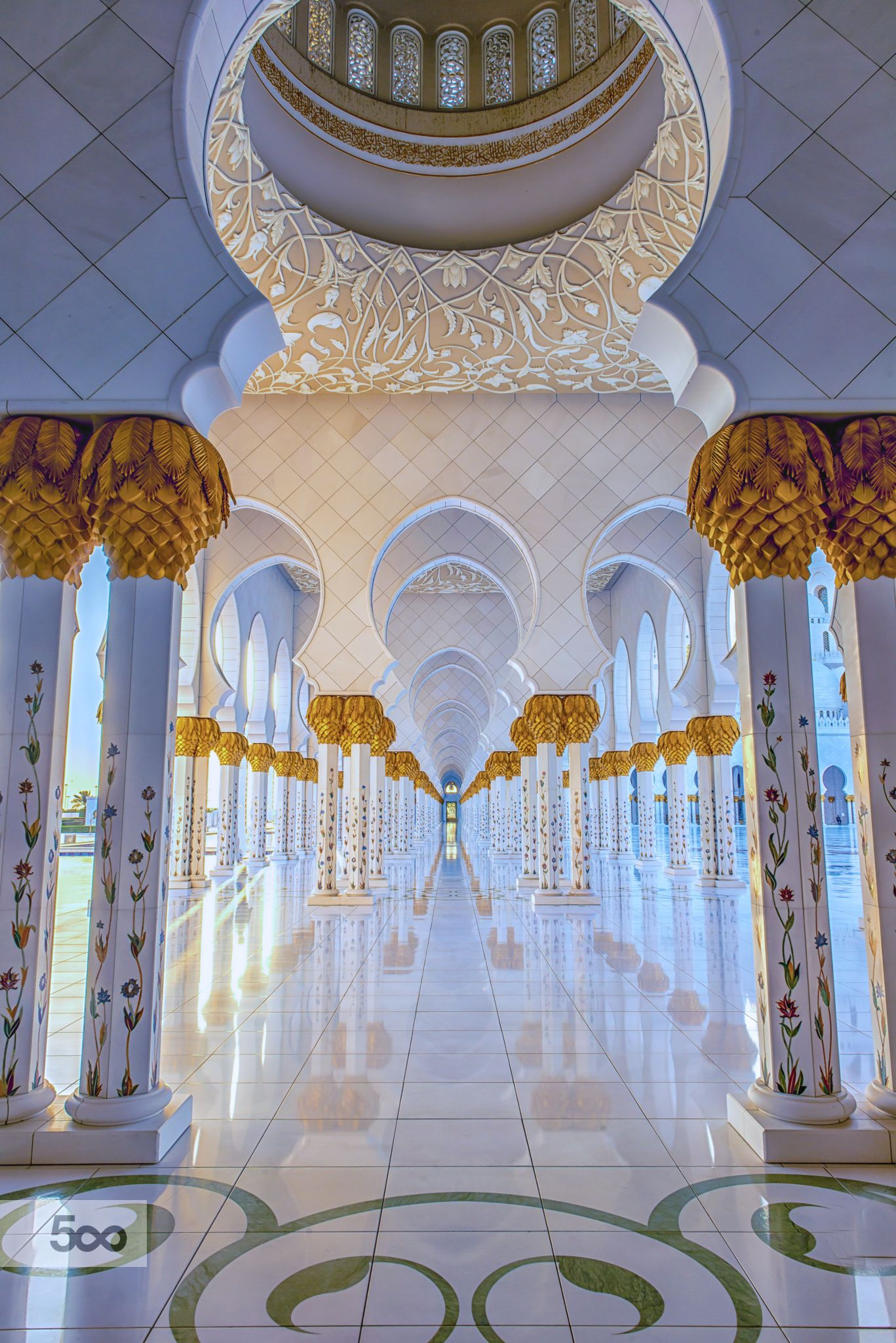 Symmetry - The Grand Mosque by julian john on 500px