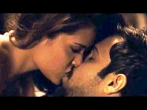 Hot Kiss Of Bollywood