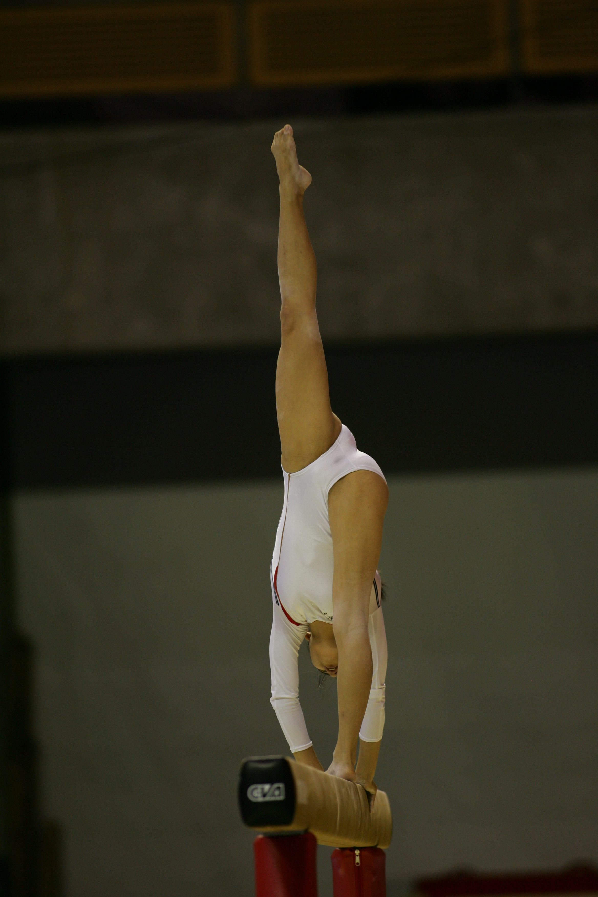Фото девушек акробаток без одежды — photo 9