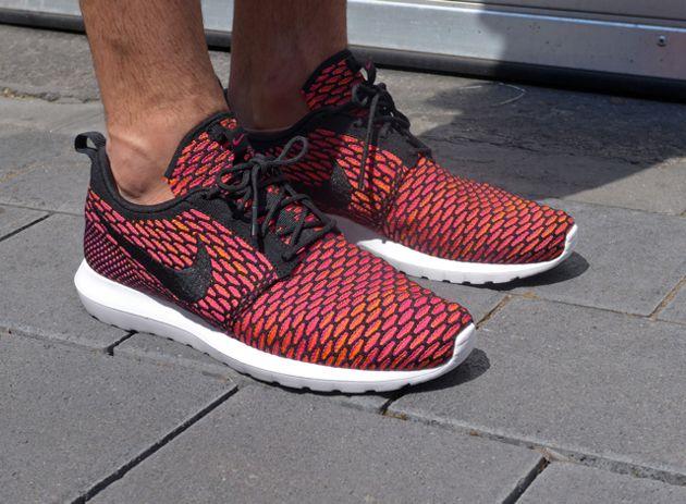 Nike Roshe Run Flyknit Fuchsia Force Black Hyper Punch Light Ash Grey Best Nike Running Shoes Nike Shoes Roshe Nike