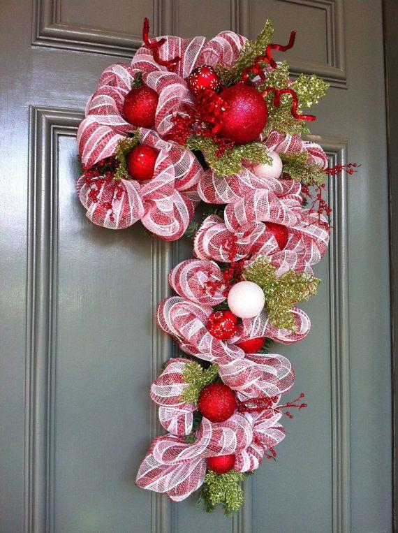 Candycane wreath i love christmas pinterest couronnes de porte pour no l couronnes de - Couronne de porte pour noel ...