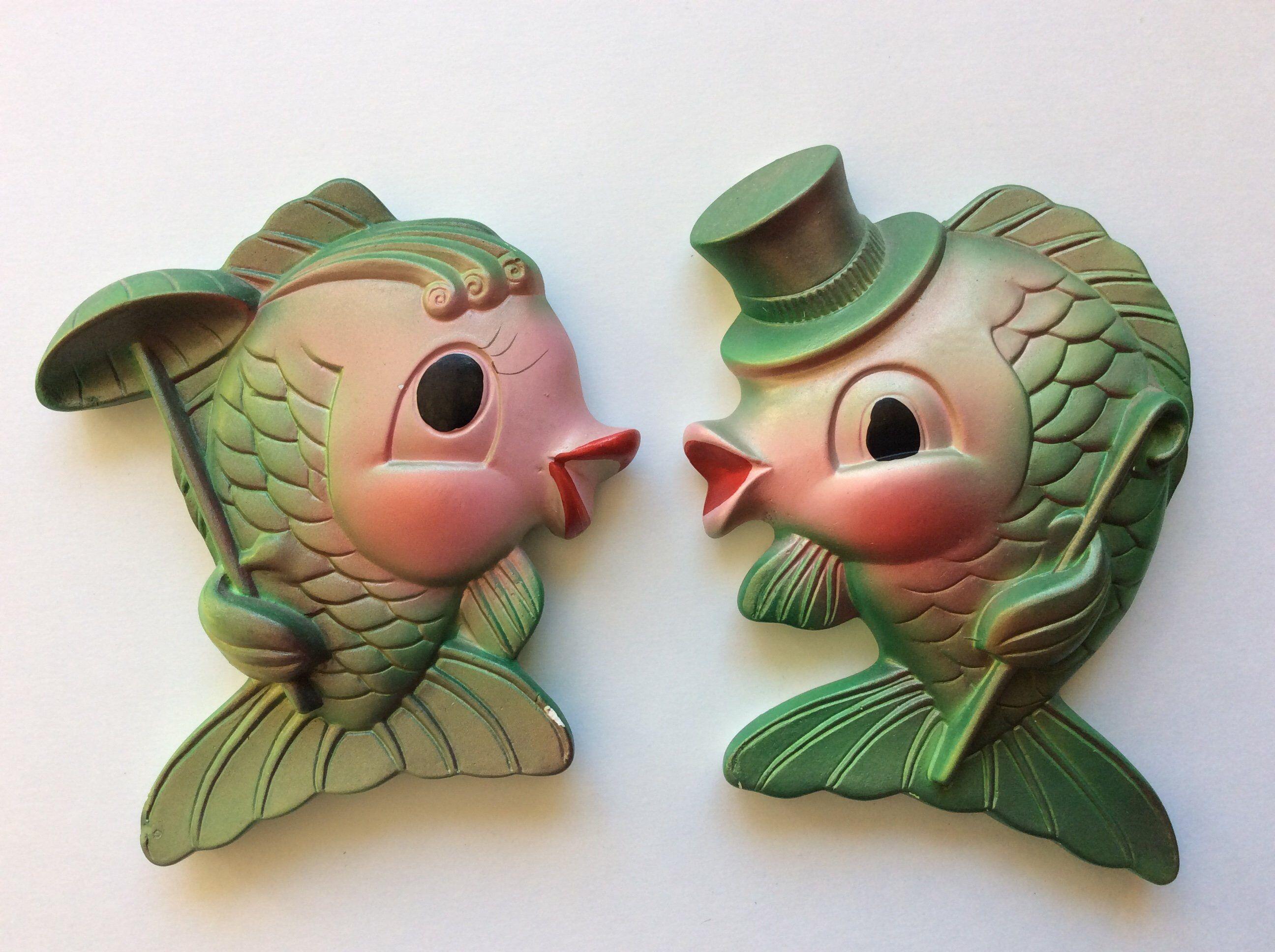Chalkware Kissing Fish Miller Studio Kitsch Retro Mermaid Bathroom Decor #mermaidbathroomdecor