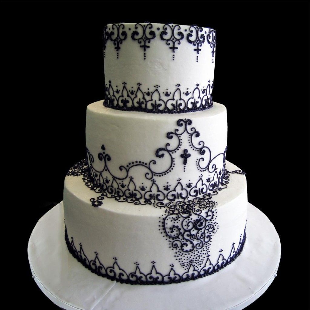 Black And White Wedding Cakes For Unique Brides | White Wedding Cake Adorned With Black Lace Patterns