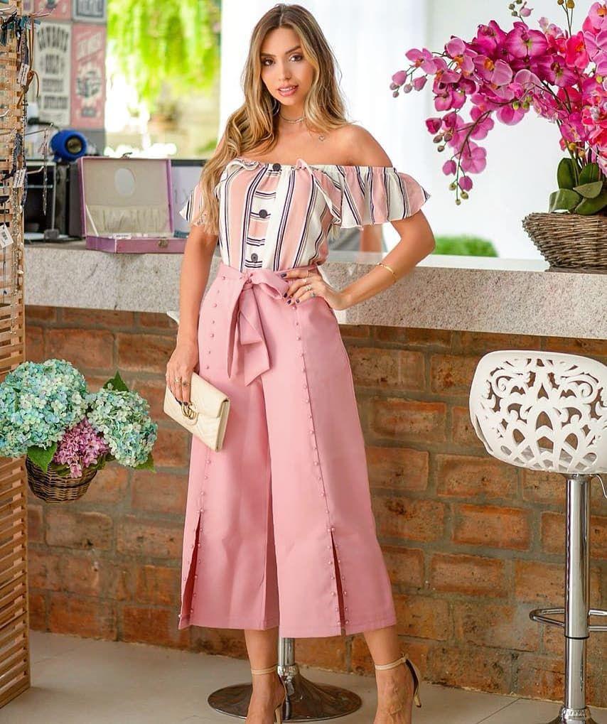 637128601 Casamento perfeito dessa blusa listrada diva com a calça pantacourt com  detalhes em pérolas. 😘 Muito Estilo nessa hora!!😘😘 . Gostou do…