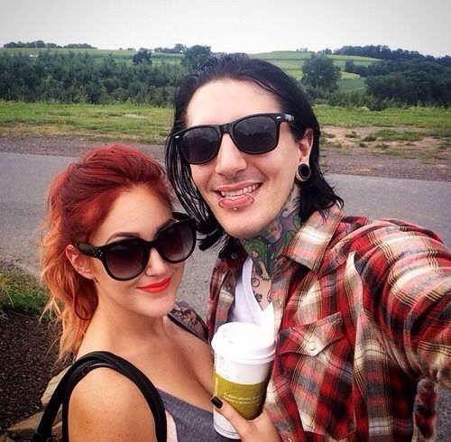 Chris Motionless And His Girlfriend Is He Still With Sabrina Malfoy