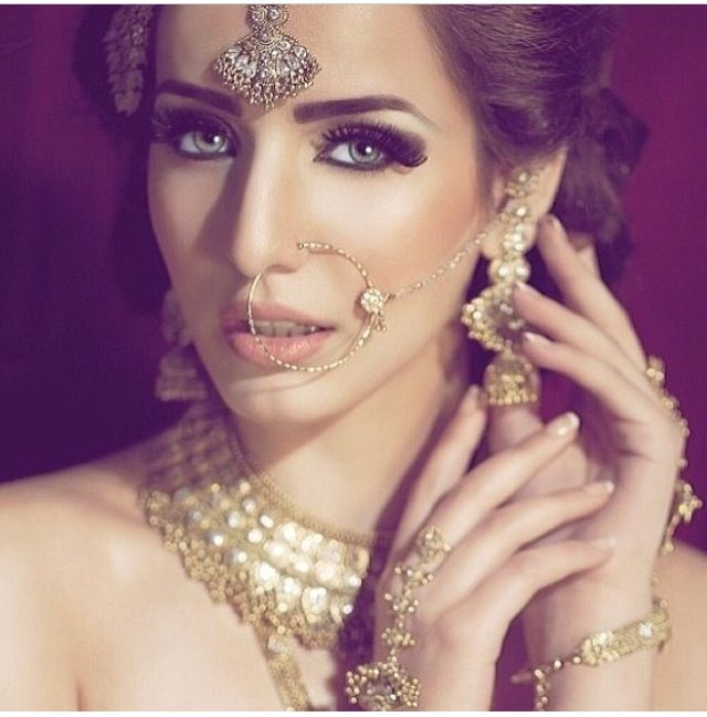Indian Makeup And Jewelry Image By Simran Dhaliwal On Make Up