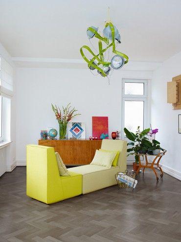 Das Modulare Sofasystem Bildet Aus Zwei Sesseln Mit