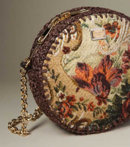 135c107656d 5 Current Crochet Items from Dolce and Gabbana   Crochet purses ...