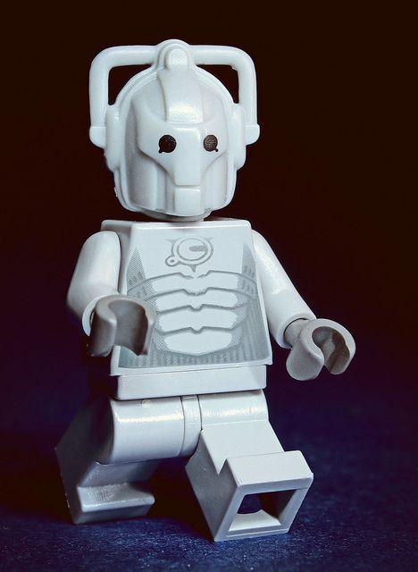 Lego Doctor Who-Cyberman figurine