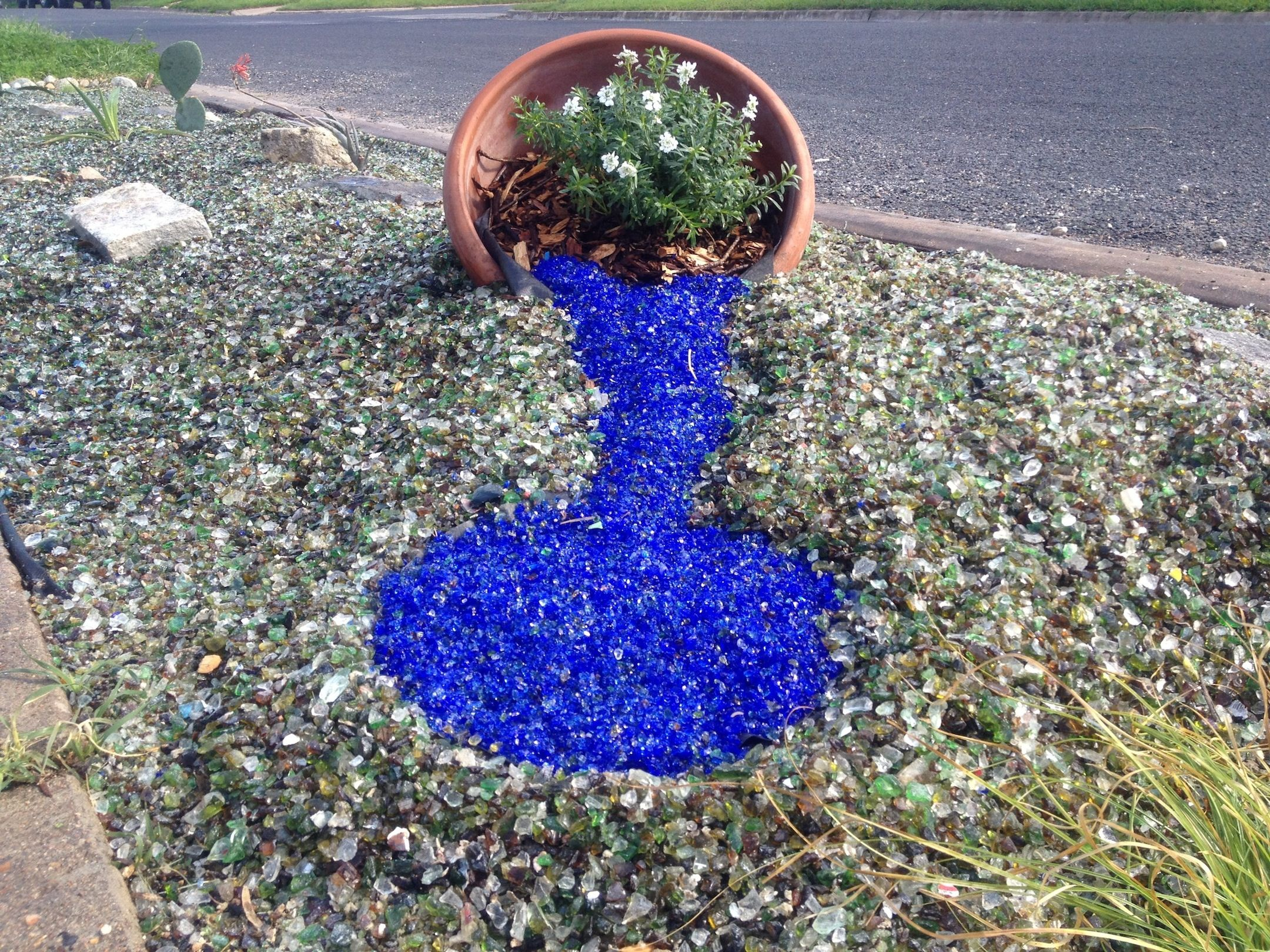 Blue recycled glass landscape glass mulch landscape for Recycled garden ideas images