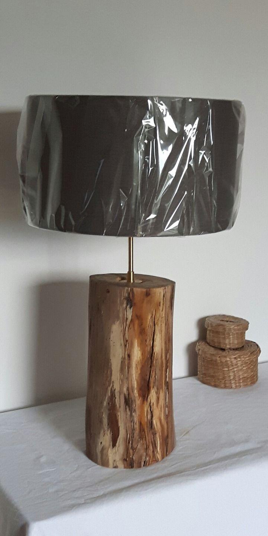 Lampe de salon mont e sur un rondin en bois flott luminaires par vidal tm bois flott - Salon des travaux manuels ...