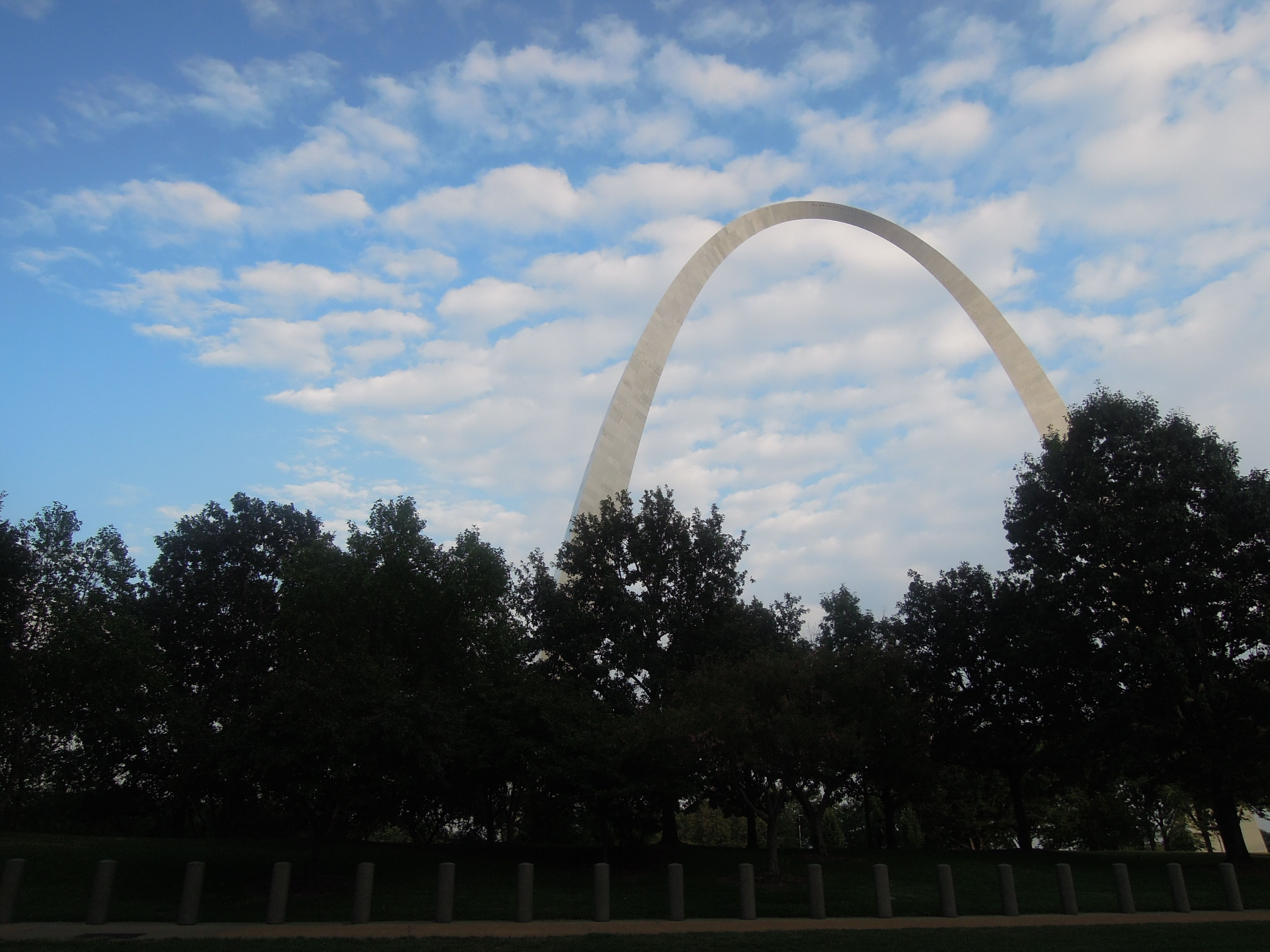 Stlouis the arch saw that as I motored by on the Mississippi River