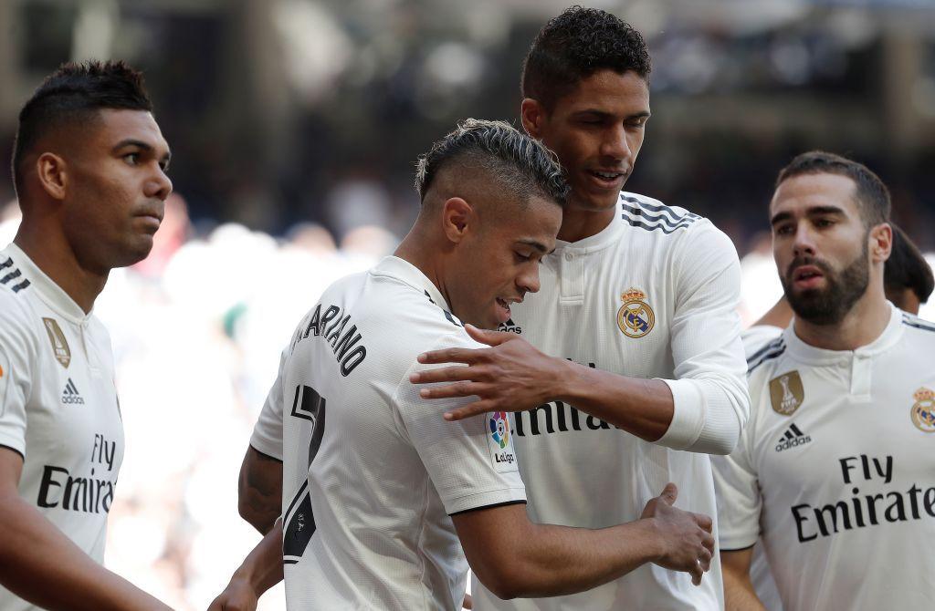 (perancis) statistik liga perancis raphaël varane pada situs web lfp.fr; Mariano Diaz of Real Madrid celebrates after his goal with ...