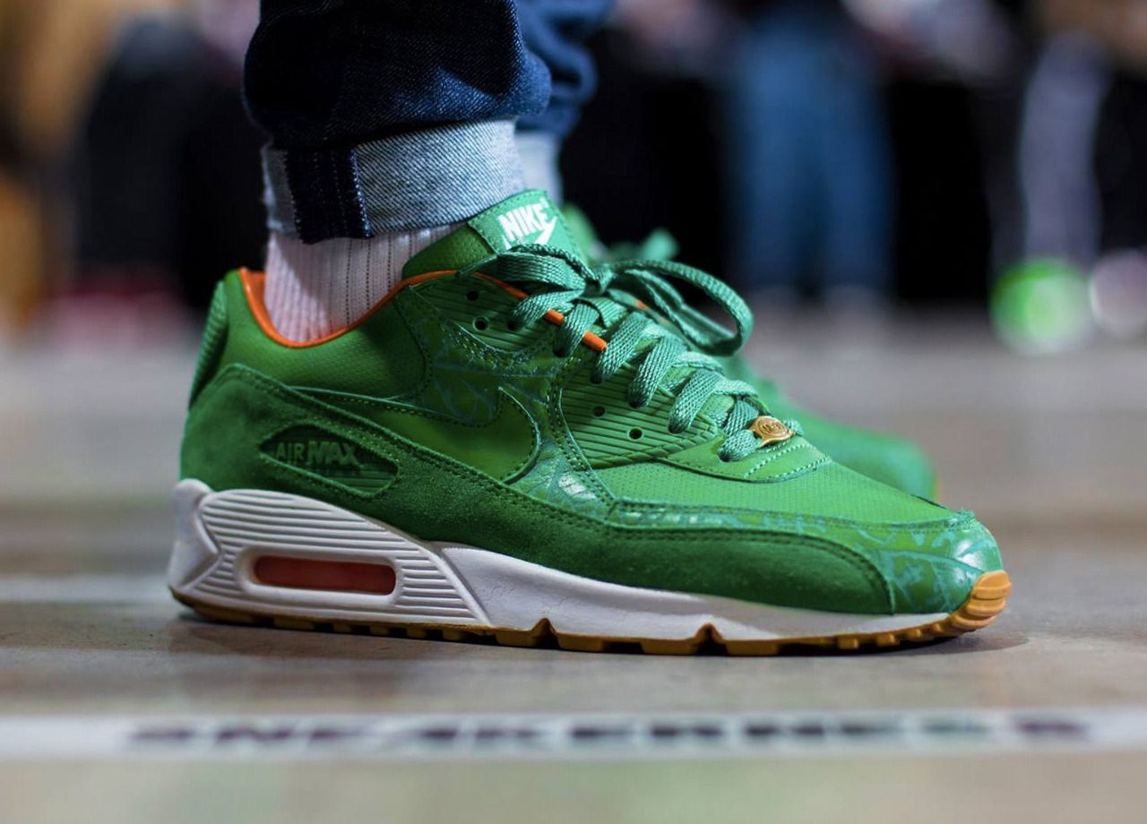 best website fe8ef 6b8c2 Nike Air Max 90  Homegrown  - 2006 (by schuhspannerblog) Pack and travel  with shoe trees by Sole Trees  Sneakers  ShoeTrees  SoleTrees   ShoeTreesForSneakers