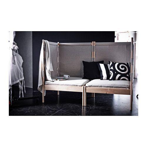 ikea hj rnel nestol to en lille hule i et lille rum. Black Bedroom Furniture Sets. Home Design Ideas