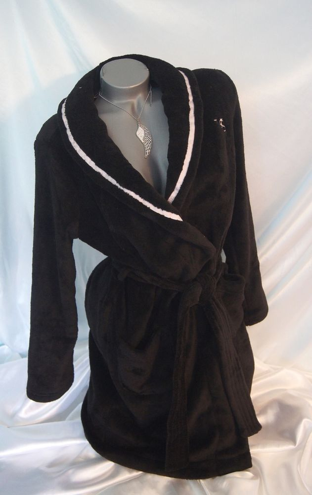 aa8cc07751 SMALL~VICTORIAS SECRET ROBE WOMENS PLUSH   COZY SHORT BATHROBE BLACK ~NWT   VICTORIASSECRET  ShortSPARobeWomensBathrobe