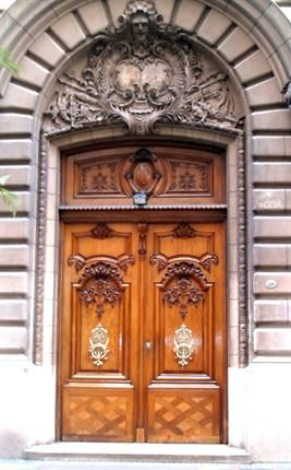 A las puertas de buenos aires puertas de buenos aires for Fabrica de ventanas de madera en buenos aires