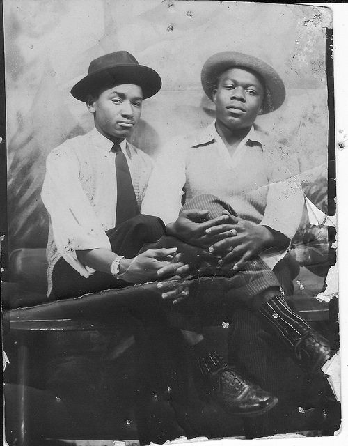 vintage-gay-couple-black-bodies