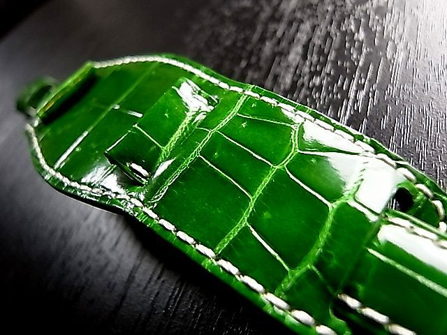Color of the leather:Shiny Green Color of the thread:Unbleached with genuine buckle of ROLEX(SS)