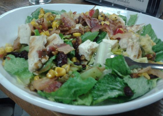 Lou's Brew & Cafe [Chicken Cobb Salad]