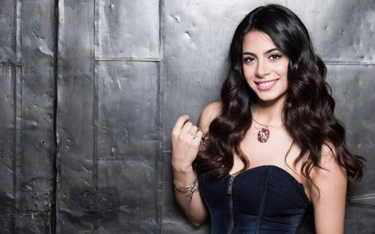 Emeraude Toubia Is A Hd Wallpaper Posted In Celebrities Category You Can Download Emeraude Toubia Hd Wallpape Emeraude Toubia Shadowhunters Isabelle Lightwood